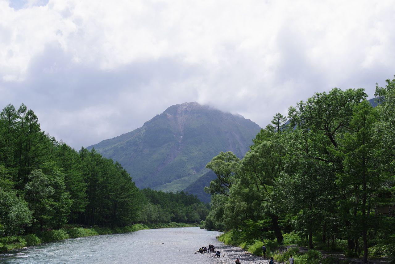 河童橋から見た焼岳