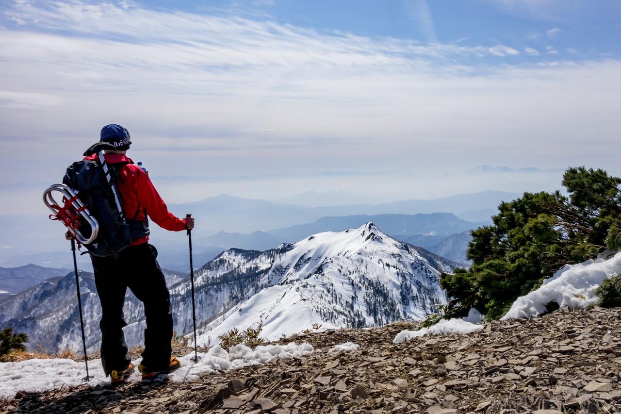 武尊山山頂から見た剣ヶ峰山