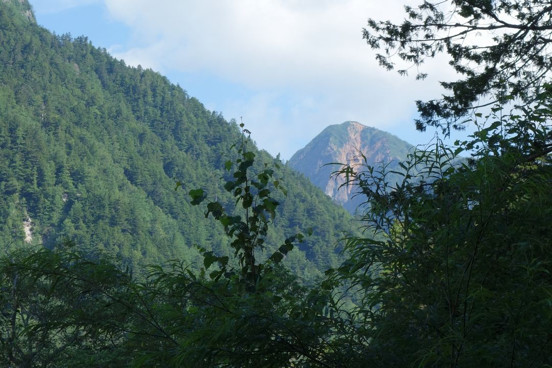 梓川付近から見た大天井岳