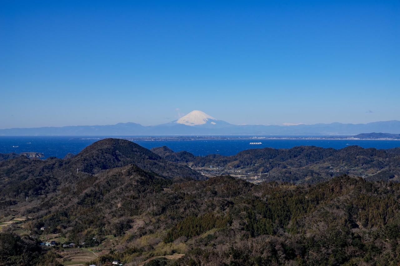 伊予ヶ岳から見た富士山