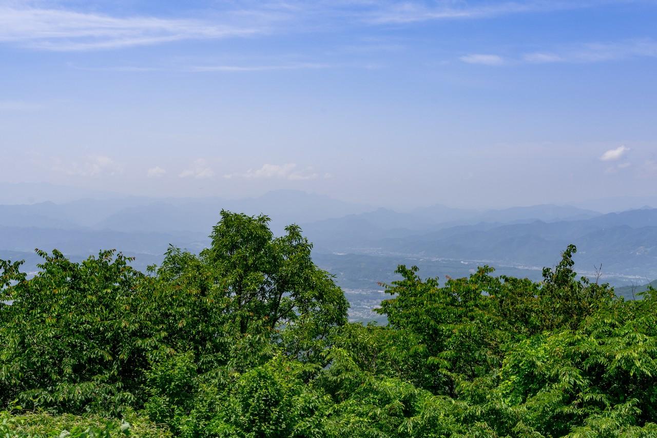 大霧山から見た両神山