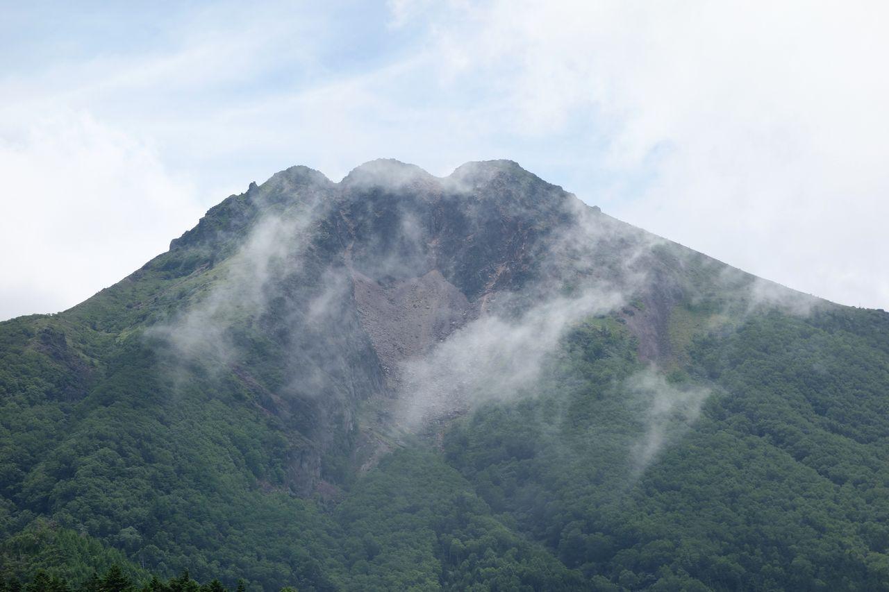日光白根山の山頂部
