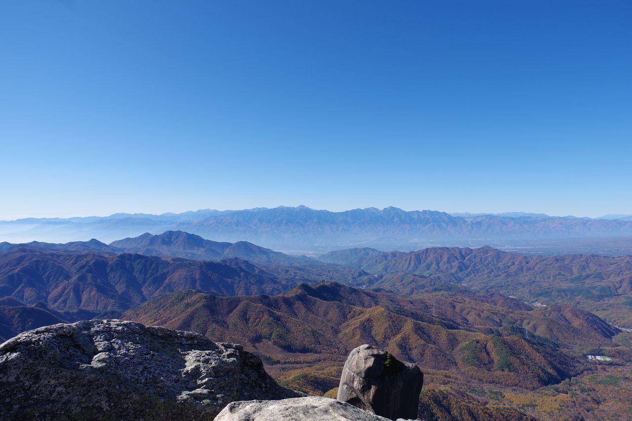 瑞牆山から見た南アルプス