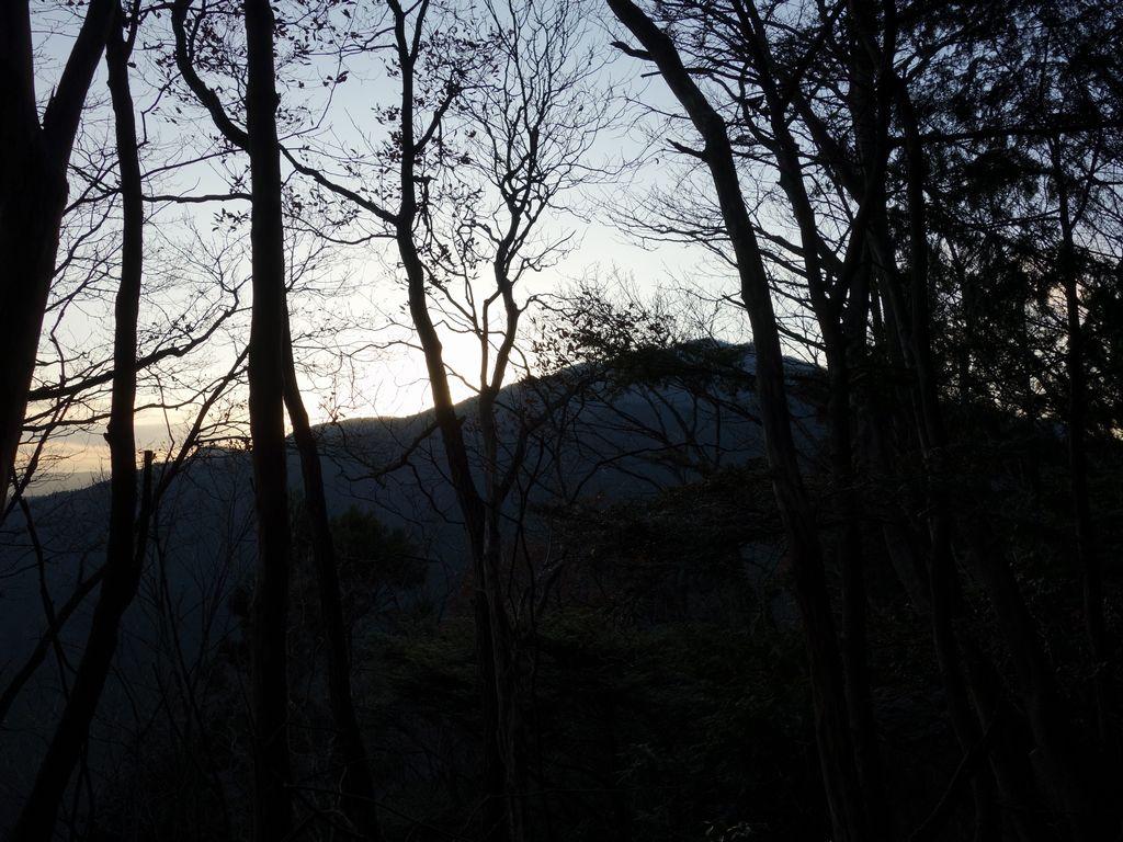 日没時間帯の御前山