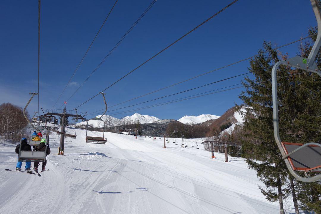 乗鞍高原スキー場のリフトから見た乗鞍岳