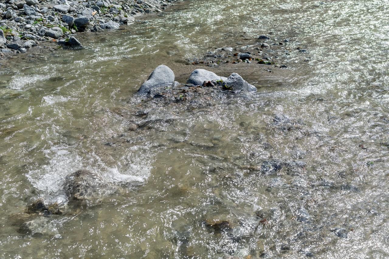 畦ヶ丸 増水した西沢の渡渉地点