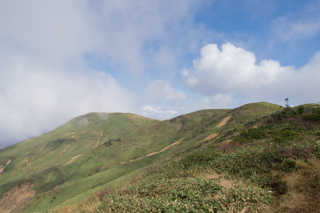 巻機山 牛ヶ岳へ続く稜線