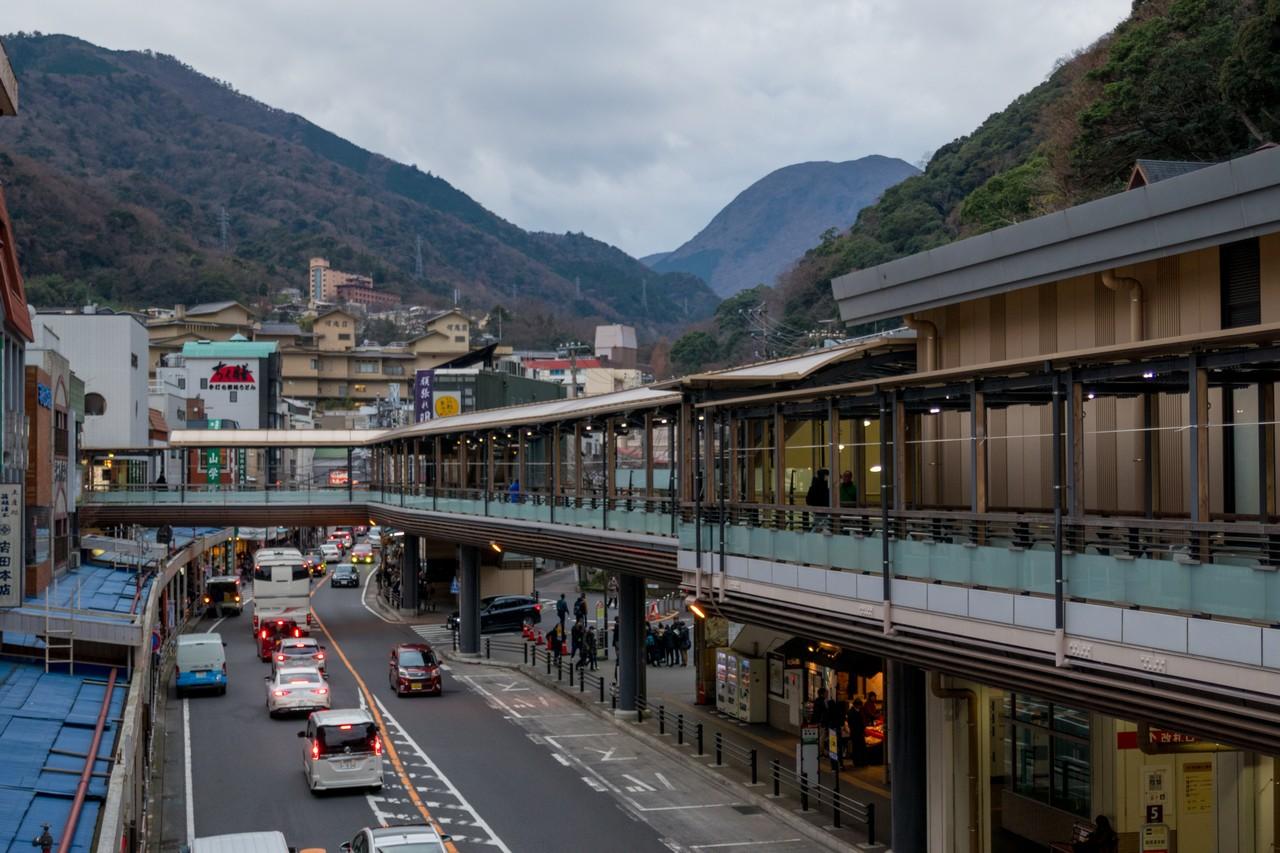 箱根湯本の駅前商店街