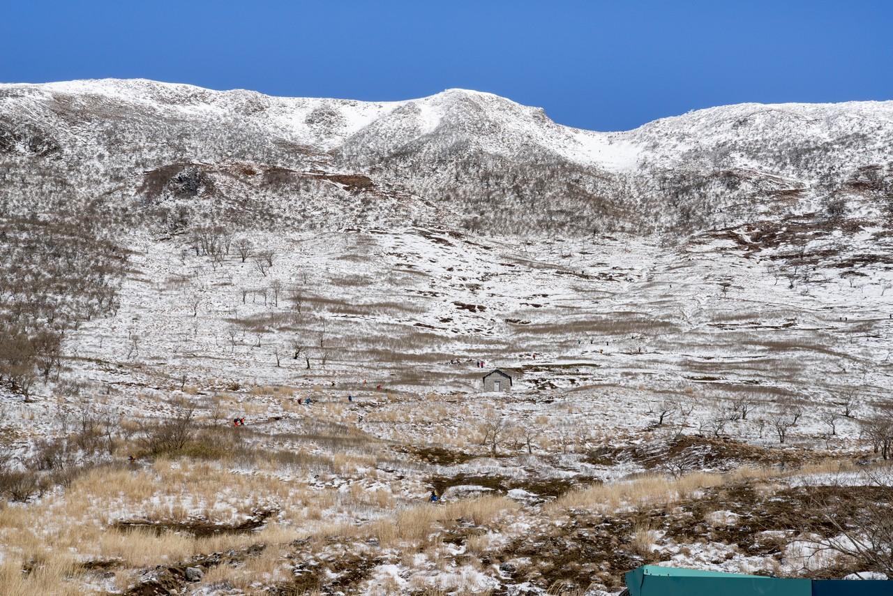五合目付近からみた伊吹山の山頂