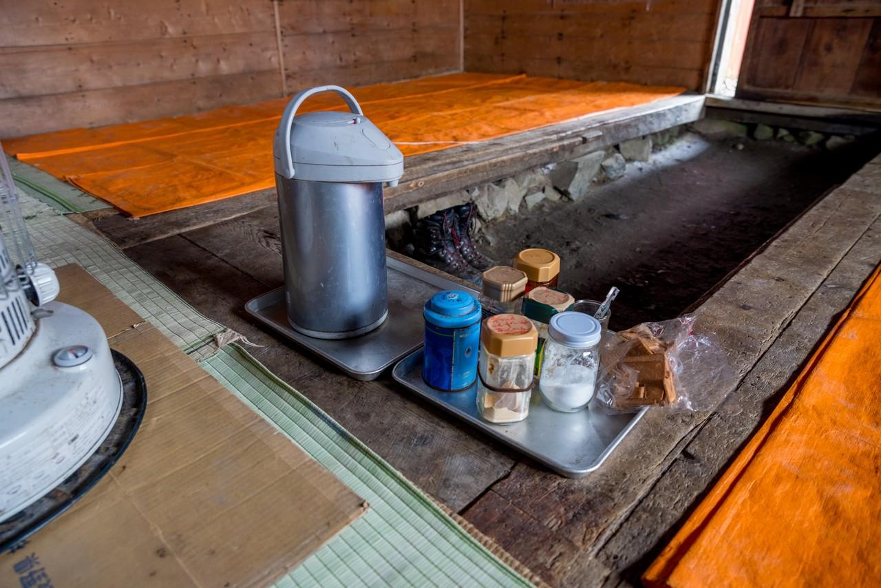 農鳥小屋のセルフコーナー