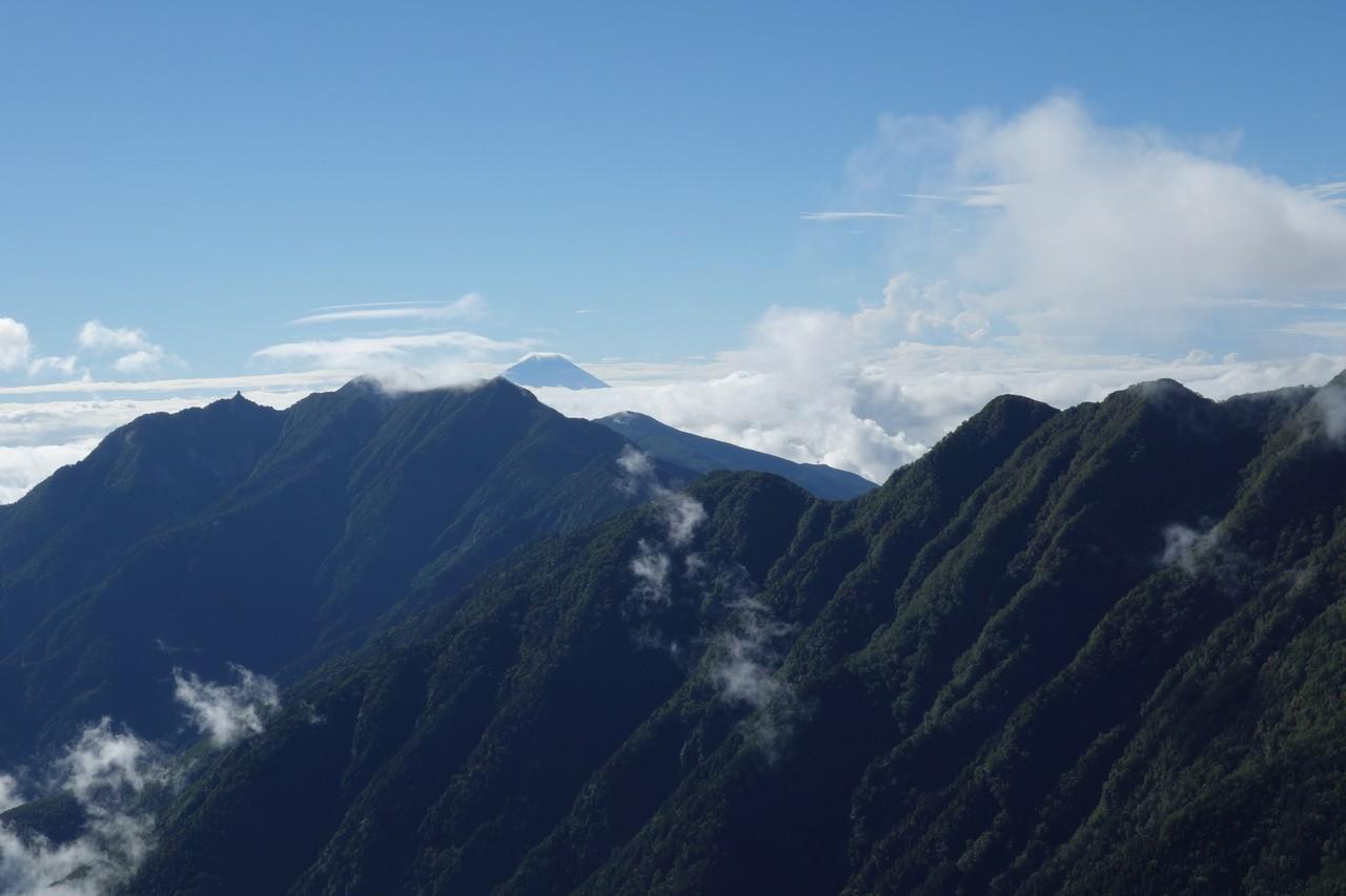 駒津峰から見た富士山