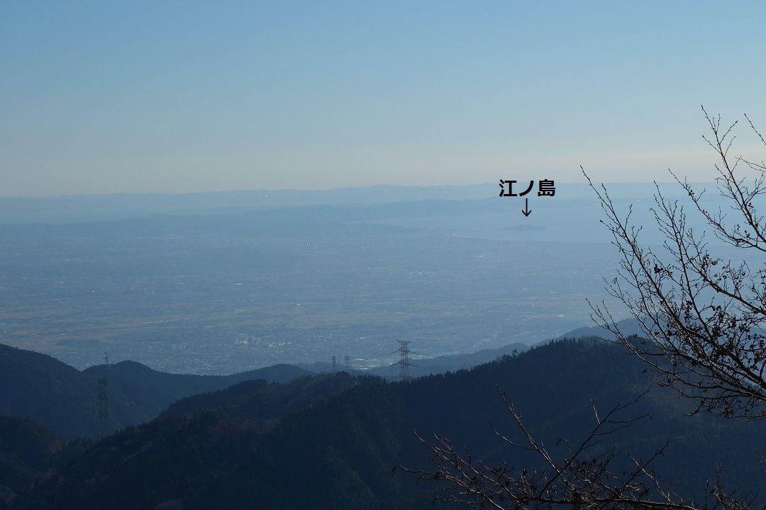 丹沢表尾根から見た江ノ島