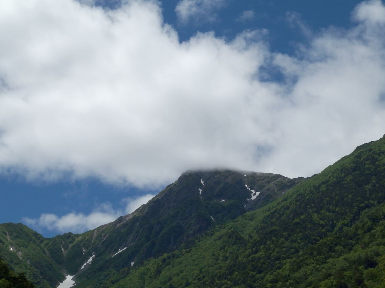 広河原から見た北岳