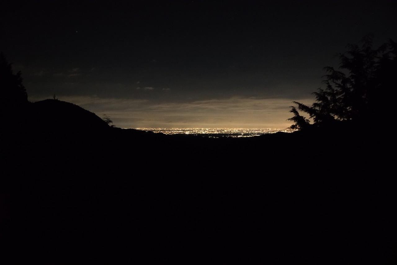 和田峠付近から見た都心部の夜景