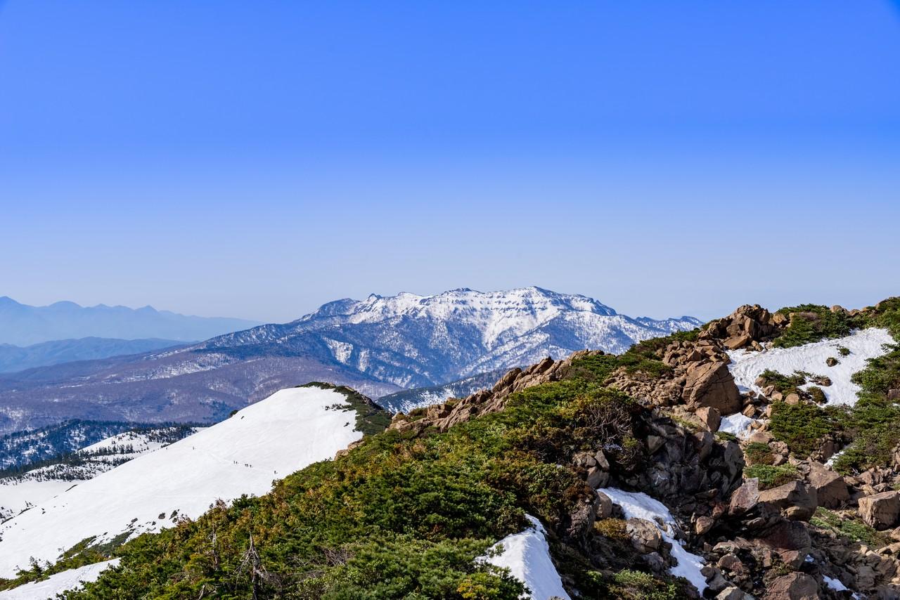 至仏山から見た武尊山