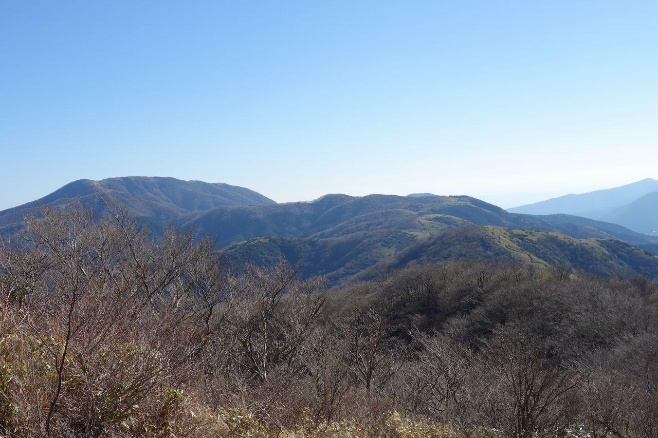 明神ヶ岳から見た明星ヶ岳方面の稜線