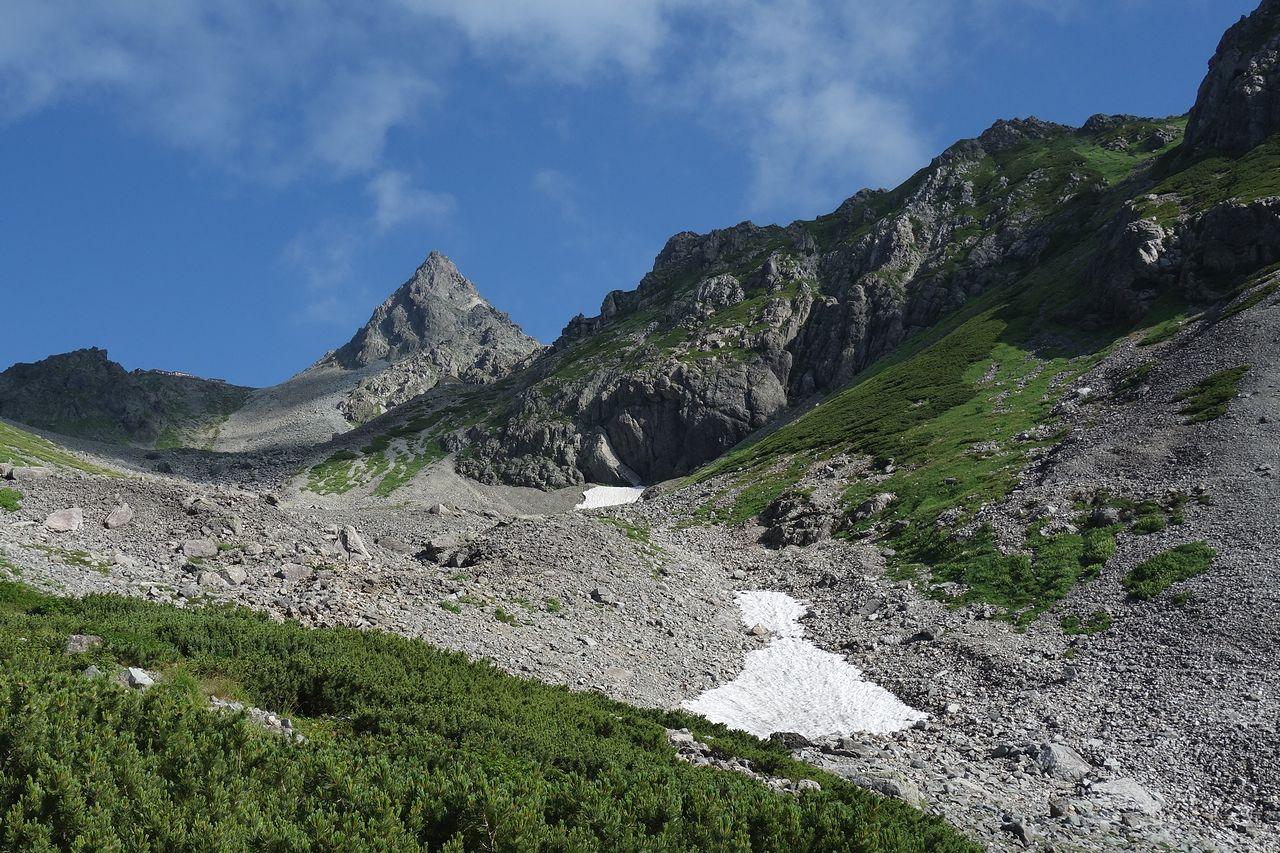 槍ヶ岳 槍沢コース上から見た穂先