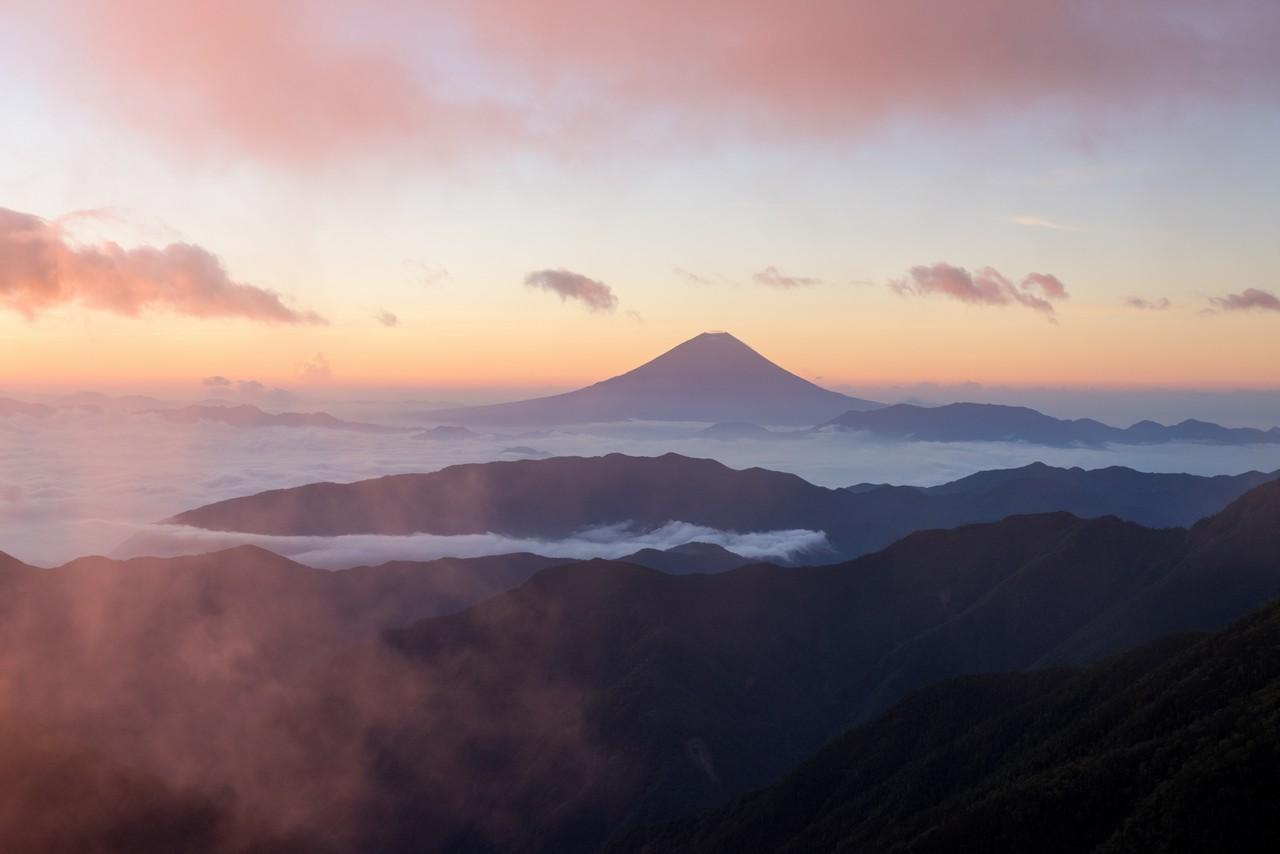 北岳山荘から見た富士山