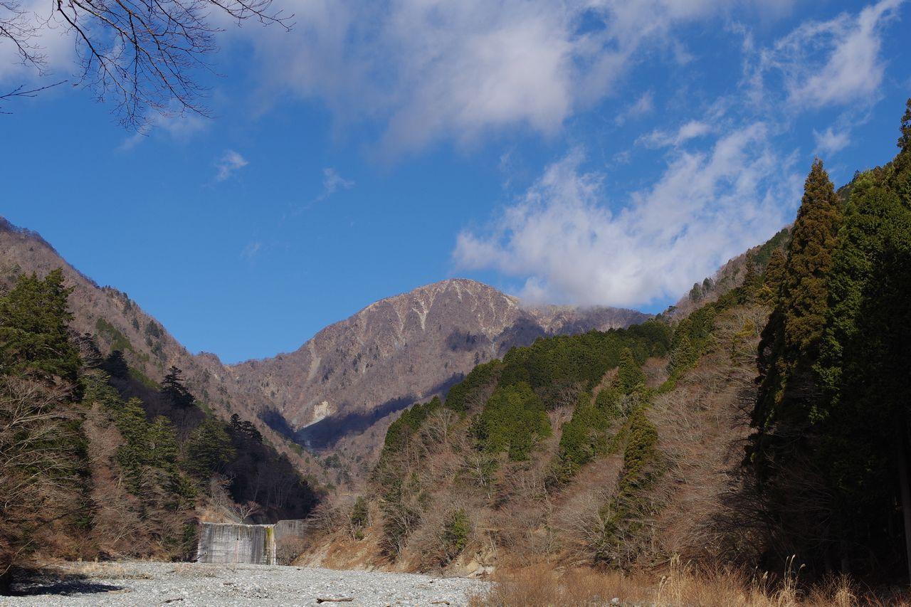 熊木沢出合から見た蛭ヶ岳