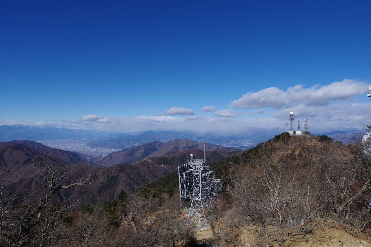 三ッ峠山 開運山から見た甲府盆地