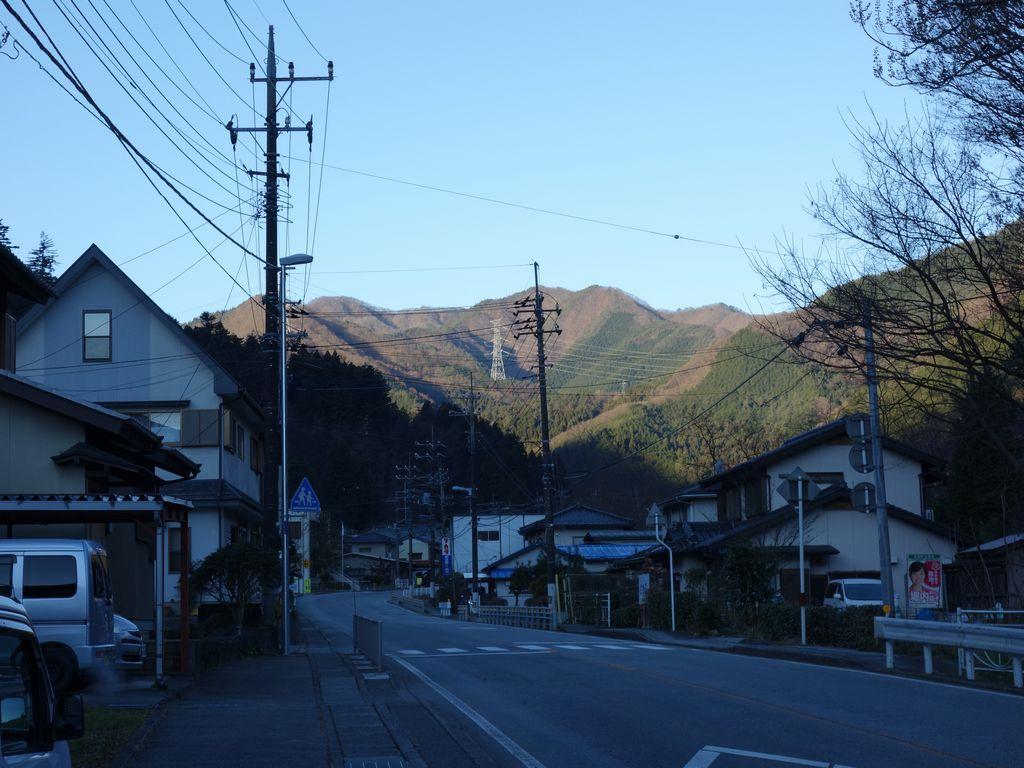 笹子駅付近の国道20号線