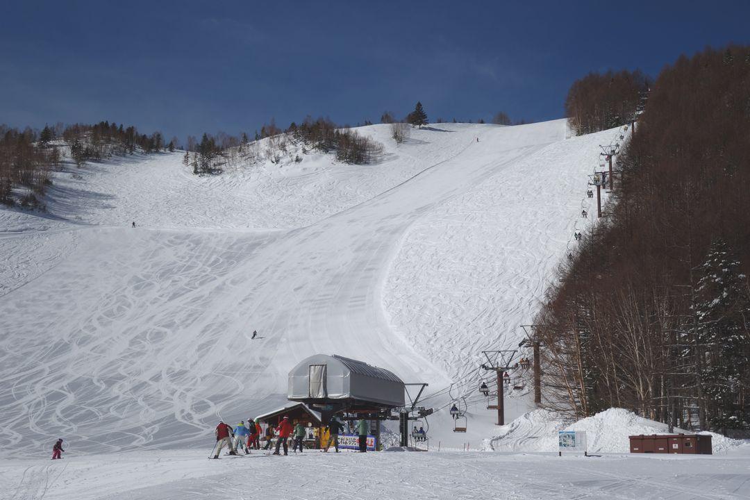 乗鞍高原スキー場 カモシカ平行きのリフト