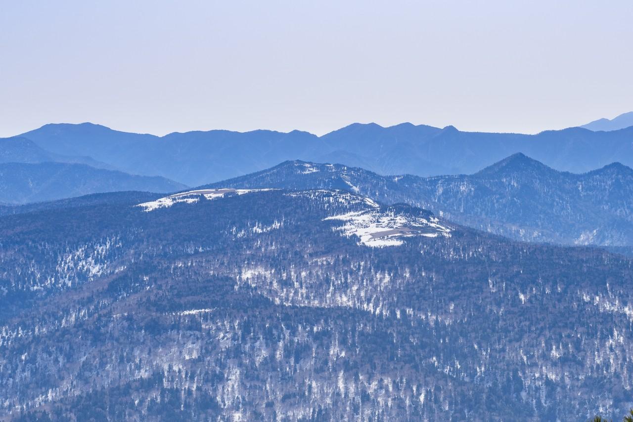 至仏山から見たアヤメ平