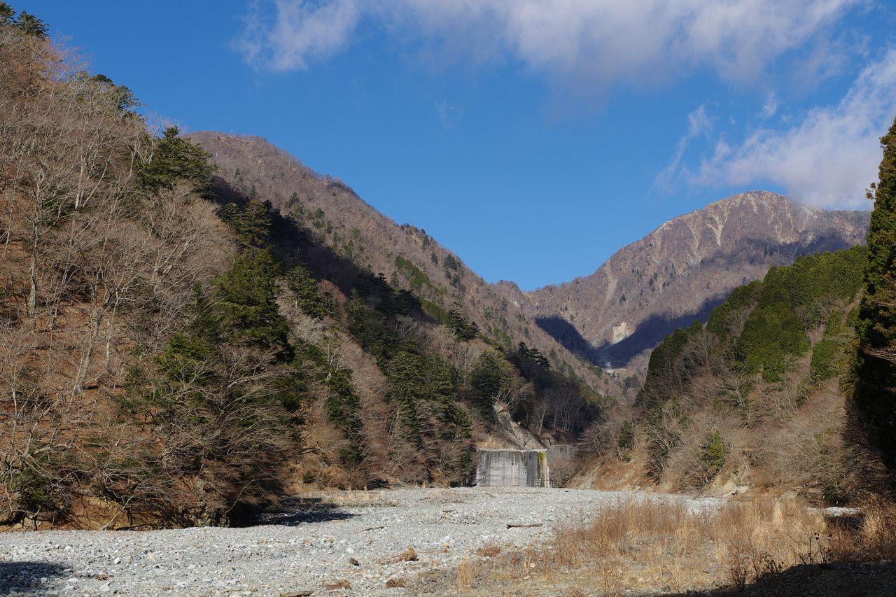 熊木沢出合から見た蛭ヶ岳と臼ヶ岳