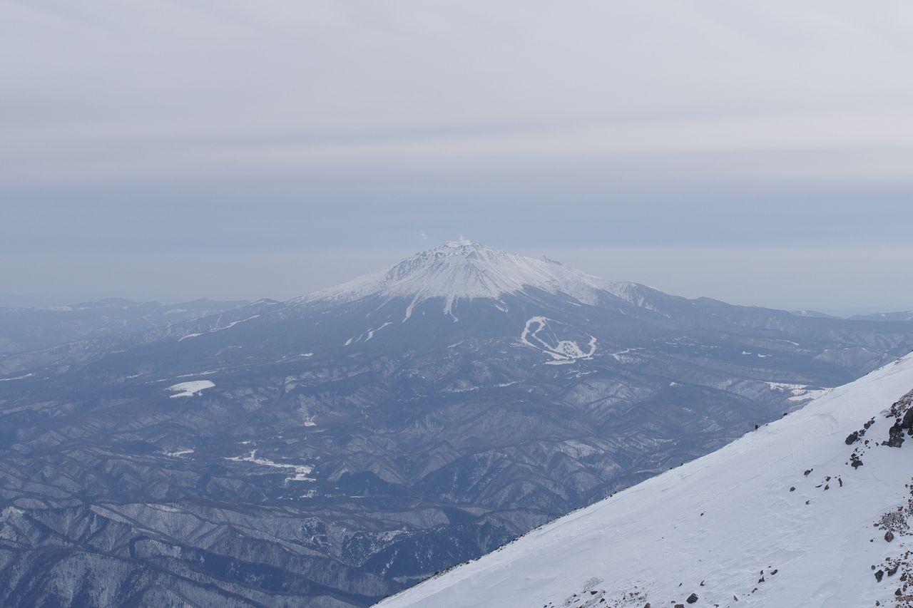 乗鞍岳から見た御嶽山