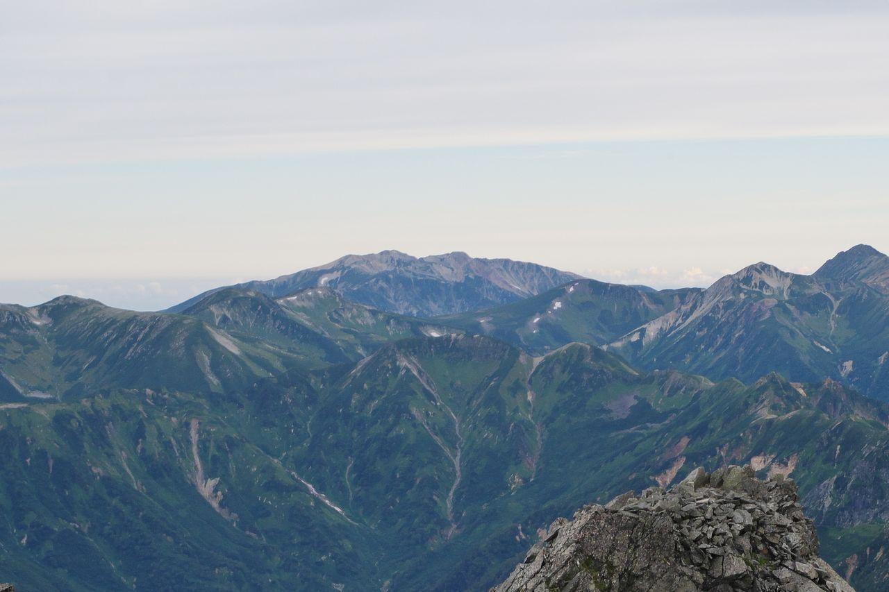 涸沢岳から見た薬師岳