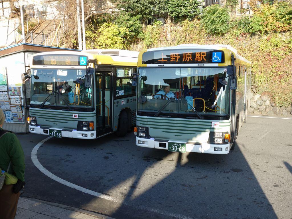 上野原駅のバス操車場