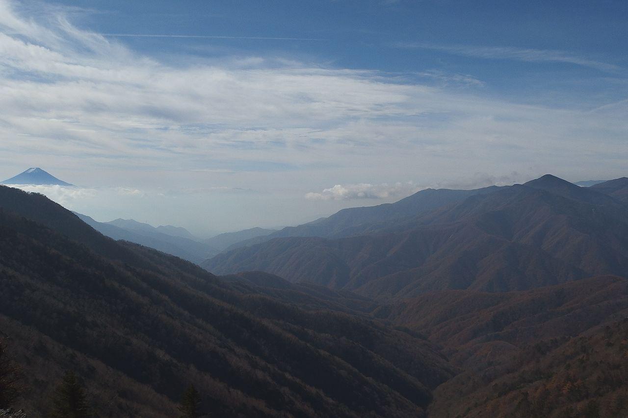 雁坂峠から見た富士山
