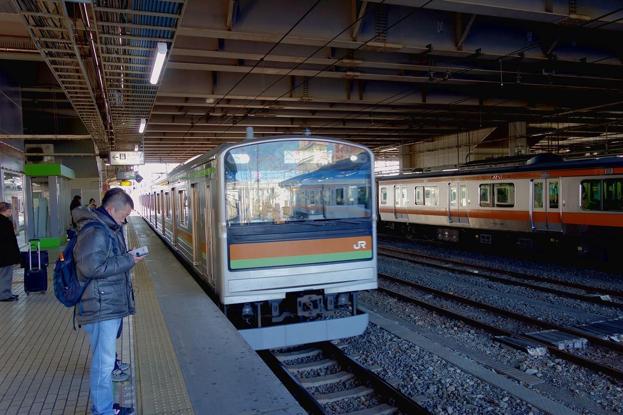 拝島駅の八高線ホーム