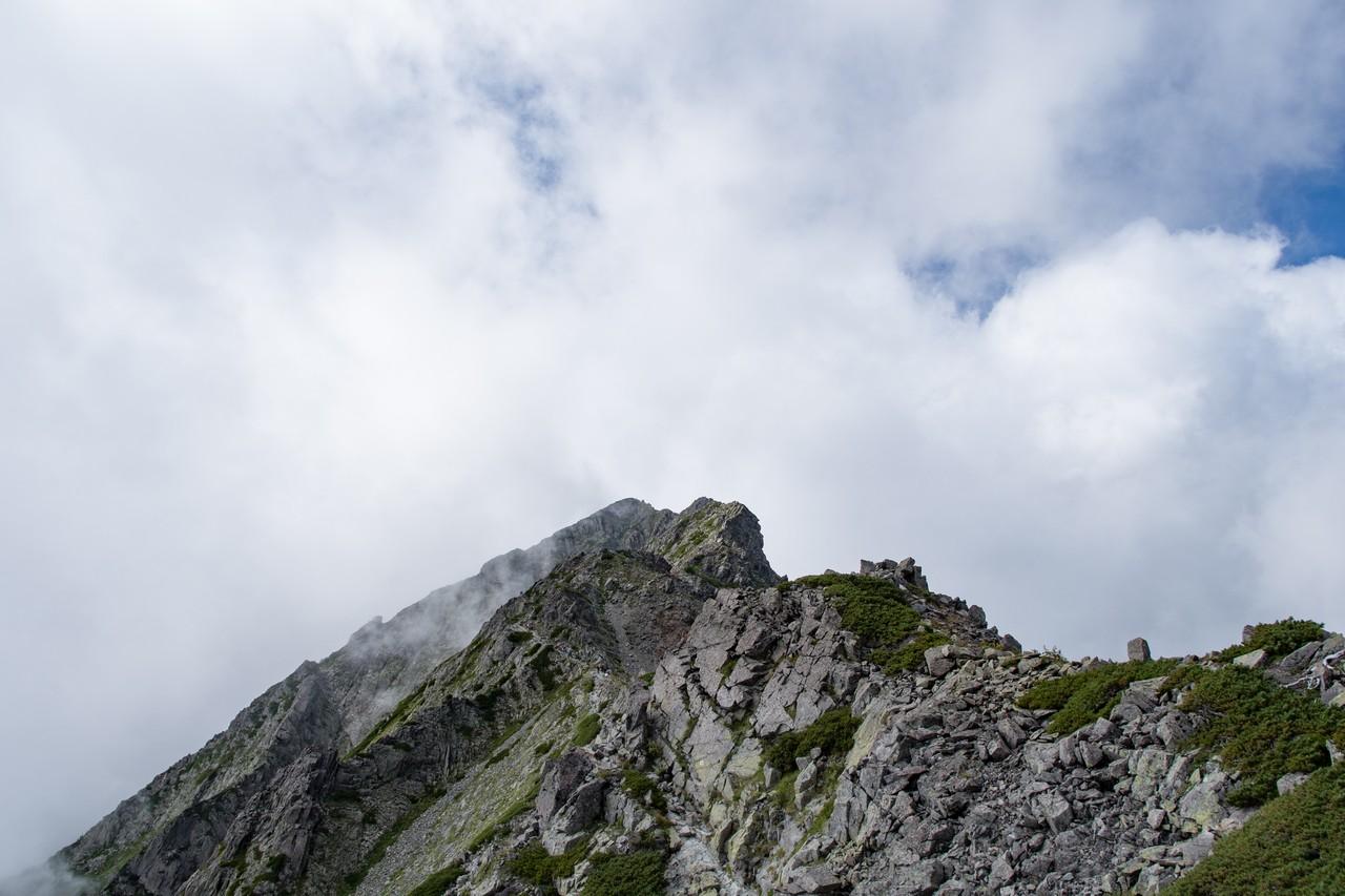 吊尾根から見た奥穂高岳