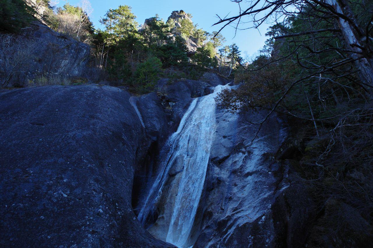 瑞牆山 不動の滝