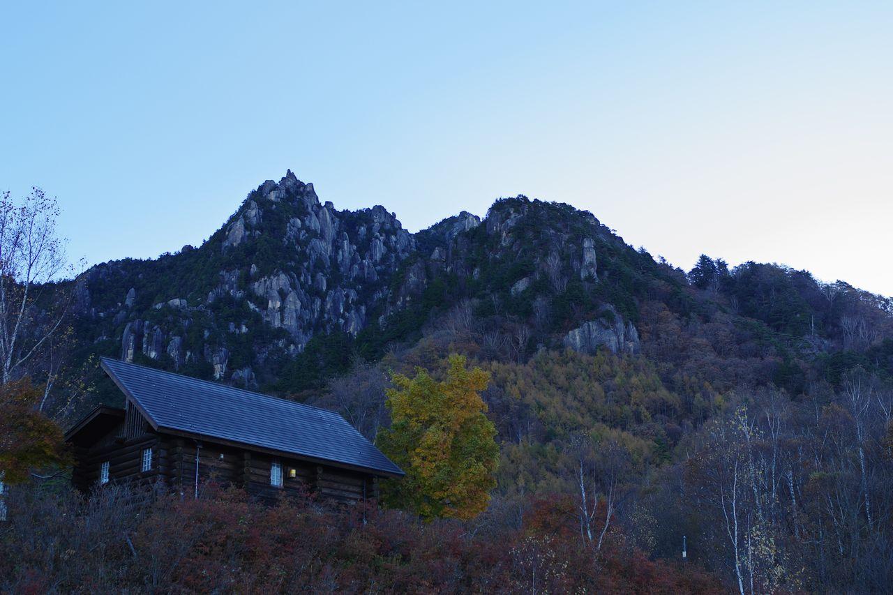 みずがき山自然公園から見た瑞牆山