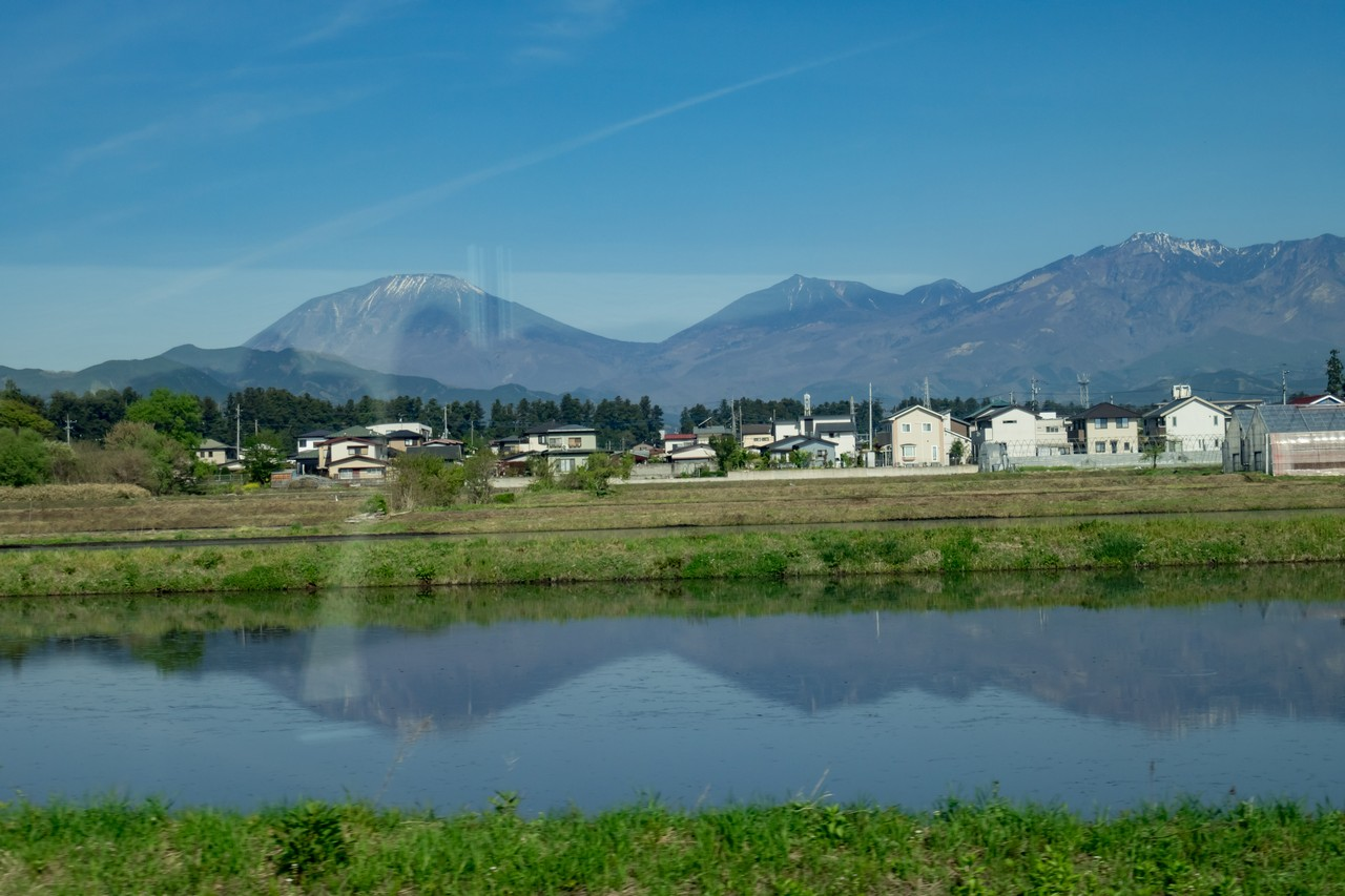 日光男体山から見下ろす中禅寺湖