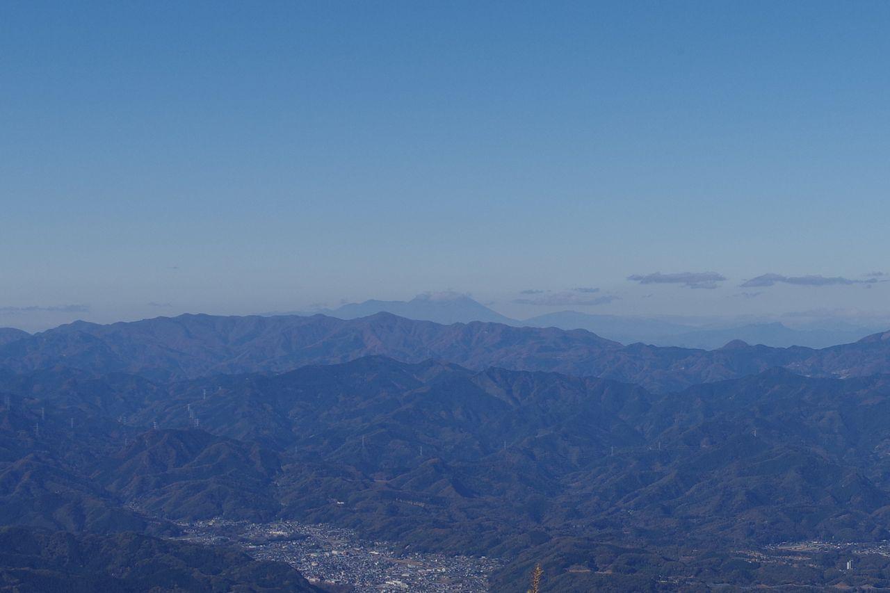 武甲山から見た浅間山