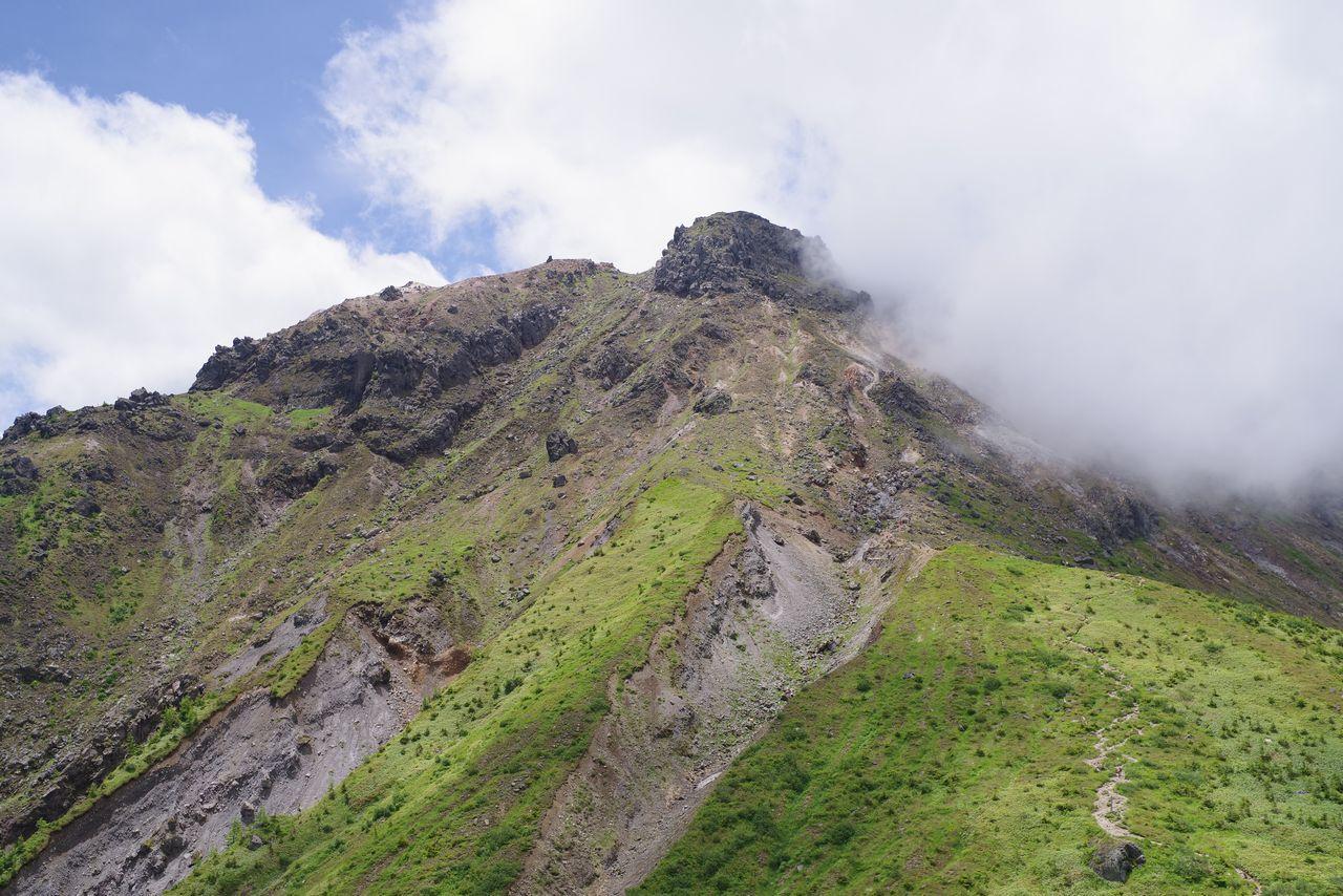 焼岳小屋の展望台から見た焼岳