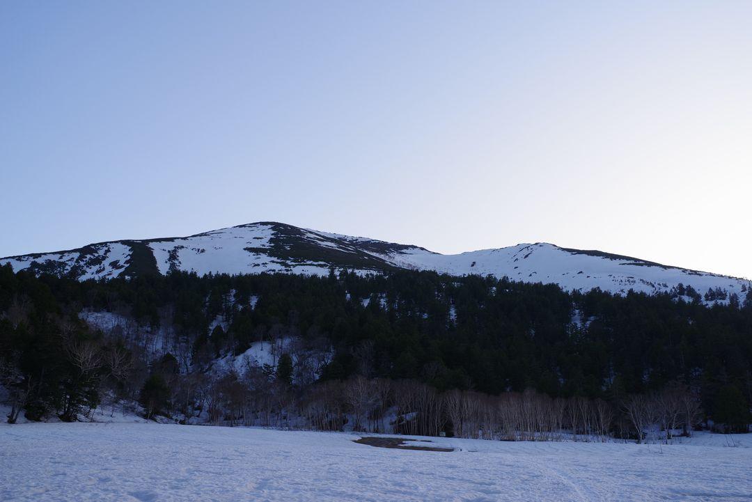 黄昏時の至仏山