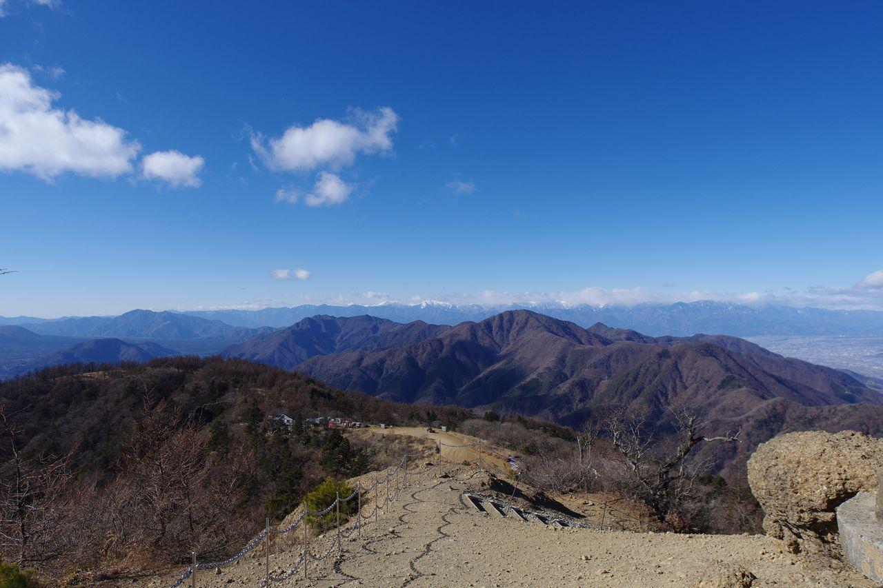 三ッ峠山 開運山から見た御坂山地の主脈