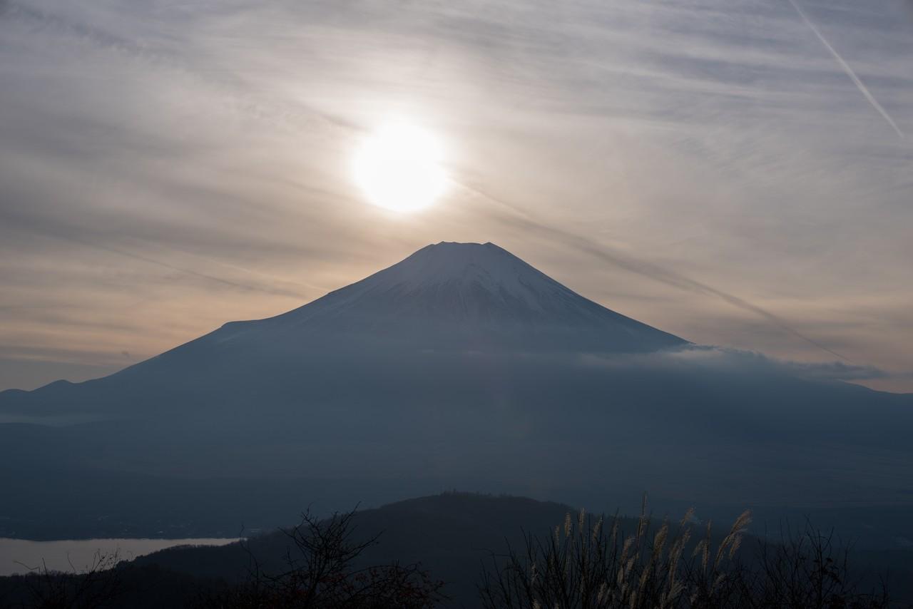 石割山から見た日没時の富士山