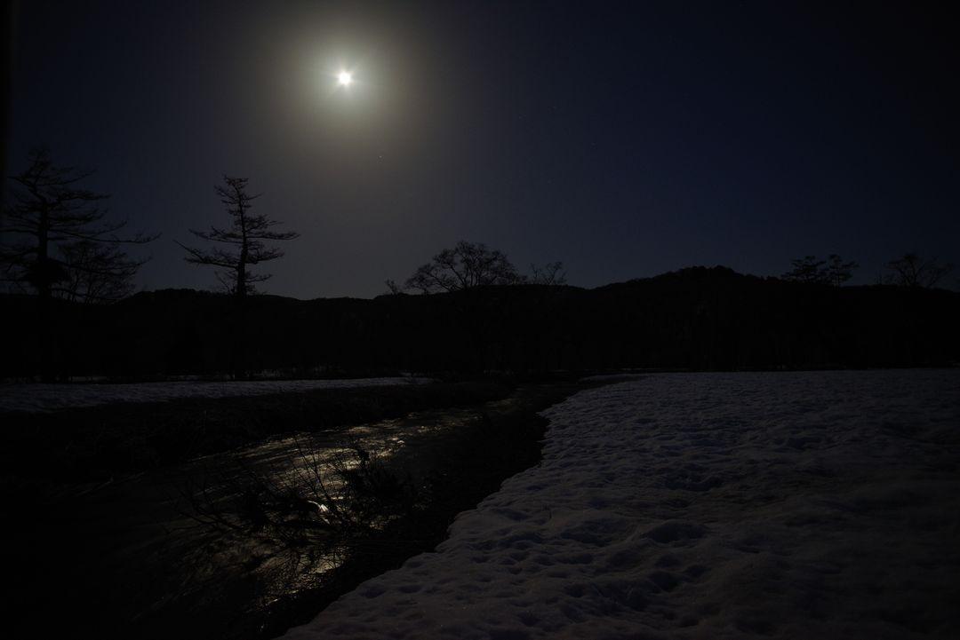 満月の尾瀬ヶ原
