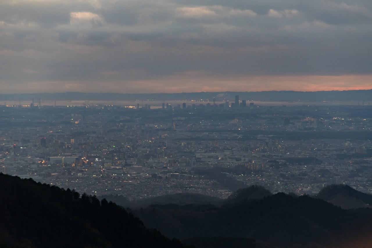 小仏城山から見た横浜付近