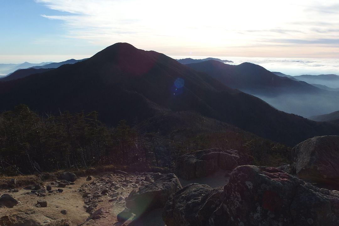 木賊山付近から見た破風山