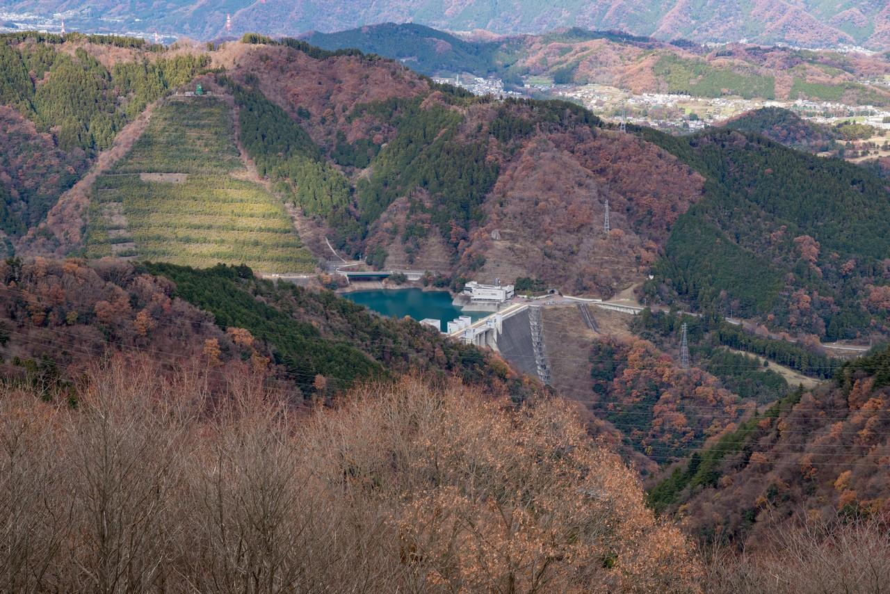 高取山展望台から見た宮ヶ瀬ダム