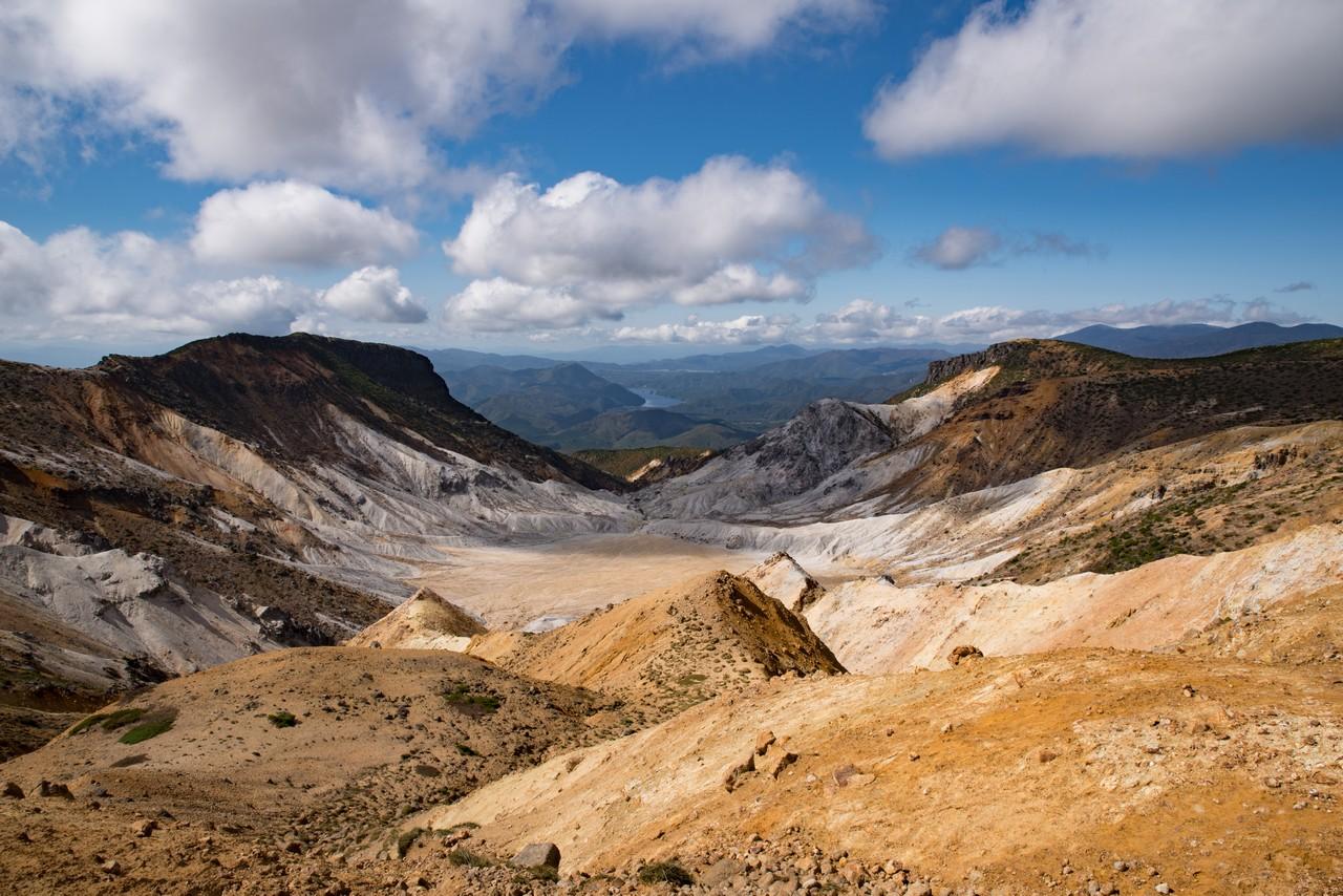 安達太良山の爆裂火口