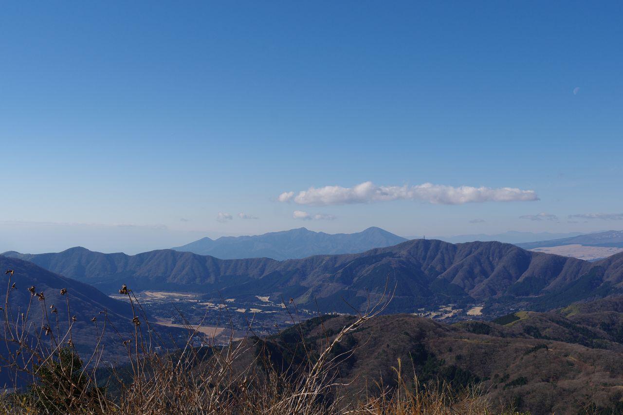 明神ヶ岳から見た愛鷹山