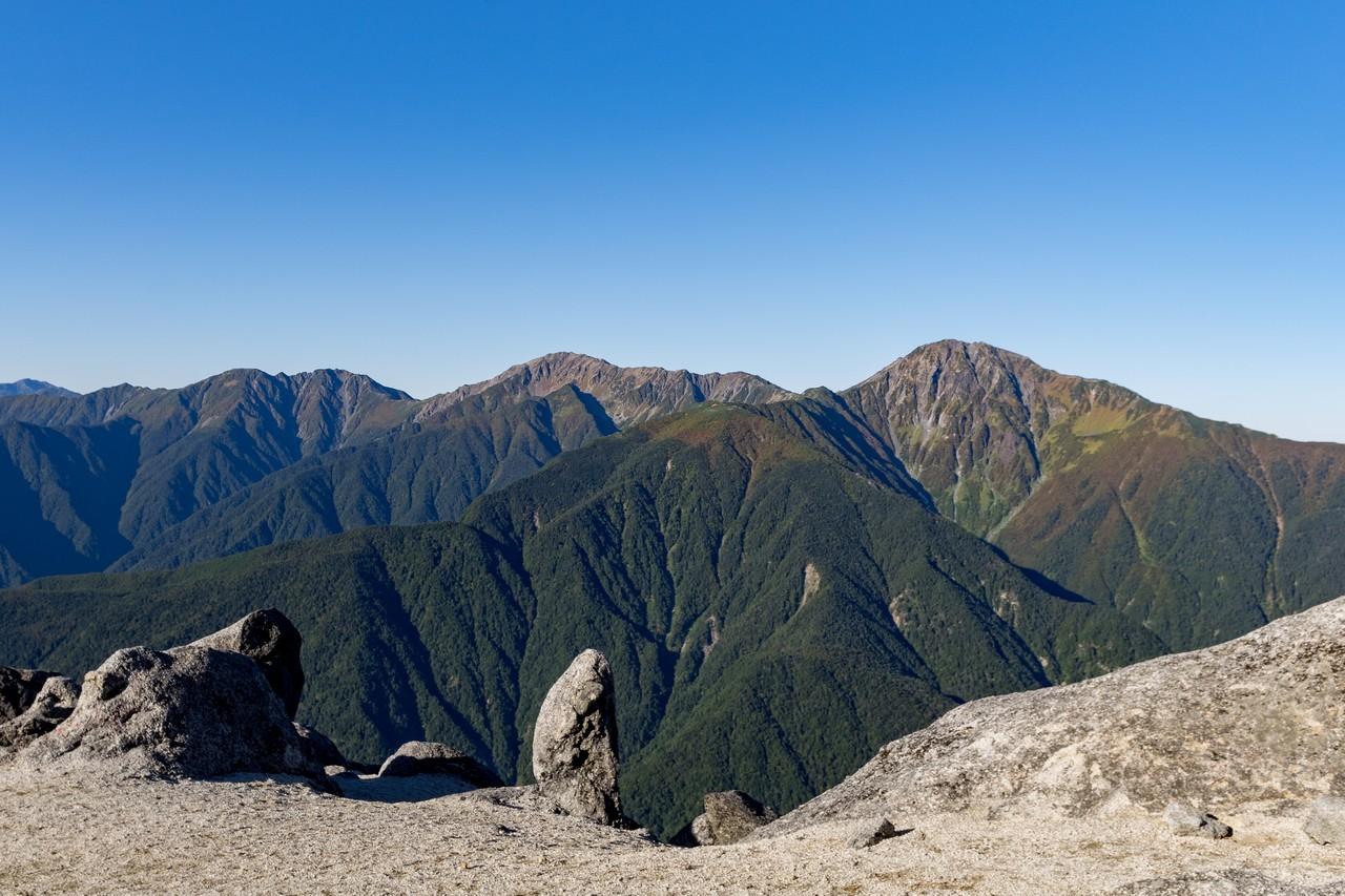 観音岳から見た白根三山