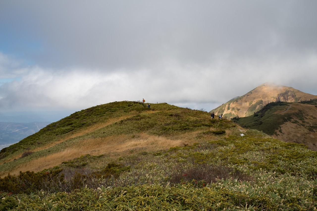 にせ巻機山の頂上